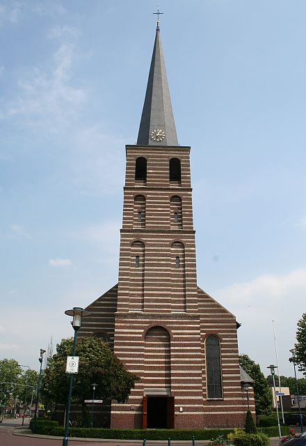 kerkgebouwen in limburg