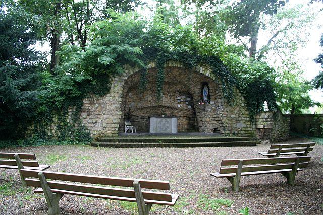 Kerkgebouwen in limburg - Grot ontwerp ...